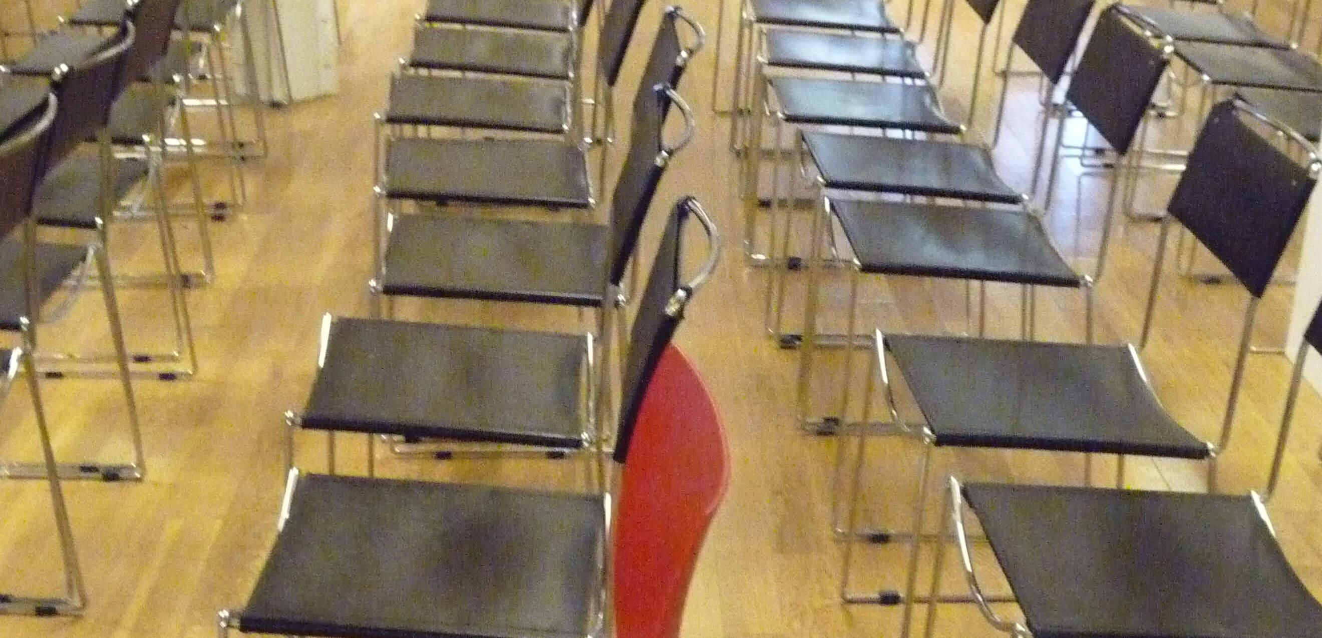 Der Rote Stuhl im Arbeitsleben